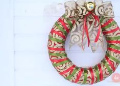 Mika Crafts - Wats Christmas Wreaths in EVA Quilted Christmas Ornaments, Christmas Swags, Xmas Wreaths, Christmas Crafts, Christmas Projects, Holiday Crafts, Office Christmas Decorations, Navidad Diy, Christmas Gifts For Friends