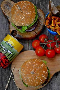 Burgeri cu fasole rosie Hamburger, Pizza, Vegan, Ethnic Recipes, Food, Essen, Burgers, Meals, Vegans