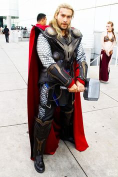 Thor Cosplay by captainjaze.wow, his is the best Thor I've seen! Thor Cosplay, Cosplay Anime, Lolita Cosplay, Epic Cosplay, Amazing Cosplay, Superhero Cosplay, Men Cosplay, Couples Cosplay, Marvel Dc