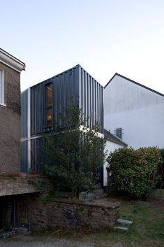 Christophe Nogry designed this two-container addition to a residence in Nantes, France. Completed in (Via ArchDaily, which features several additional photos by Stephane Chalmeau. Building A Container Home, Storage Container Homes, Container Buildings, Container Architecture, Container Houses, Container Store, Used Shipping Containers, Shipping Container Home Designs, Container House Design