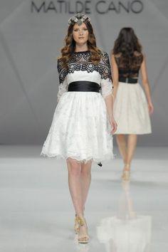 Vestidos de fiesta Matilde Cano 2017: glamour y alegría para las mejores… Gaudi, Wedding Guest Looks, Glamour, Lace Skirt, Dress Up, Ballet Skirt, Bridesmaid, Wedding Dresses, Skirts