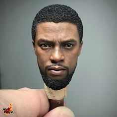 """5,903 Me gusta, 61 comentarios - Hot Toys (@hottoyscollectibles) en Instagram: """"Take a closer look at the head sculpt of Black Panther featuring incredible likeness of Chadwick…"""""""