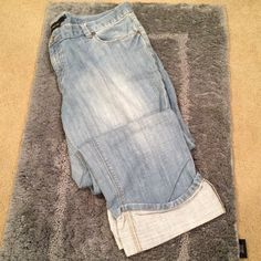 Light Wash Cuffed Capris Never Worn | Excellent Condition | Light Wash | Cuffed Bottoms | Belt Loops | 5 Pockets | 100% Cotton | Trades | Feel Free to Ask Questions | More  Upon Request | Bundles & Offers are Welcomed ❤️| Calvin Klein Jeans Ankle & Cropped