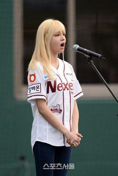 Shannon is a sweet baseball girl Baseball Girls, Baseball Caps, Ailee, Korean Wave, Hotels Near, Kpop, Female, News, Celebrities