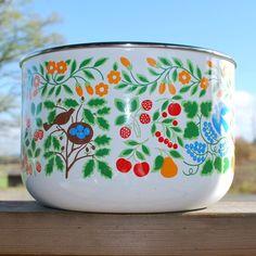 Birds and Berries Enamel Bowl
