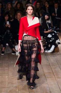 Alexander McQueen Spring 2016 Ready-to-Wear Collection  - ELLE.com
