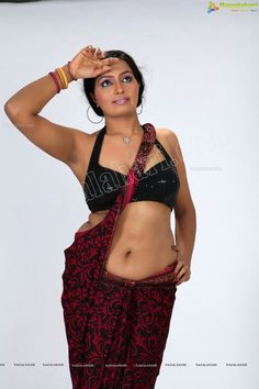 Prabha shetty actress hot sexy hip images and sexy thigh legs pictures and sexy boobs visible images and sexy cleavage images and largest se. South Indian Actress Hot, Beautiful Indian Actress, Sexy Hips, Sexy Curves, Hot Actresses, Indian Actresses, Indian Navel, Gyr, Hot Poses