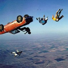 Extreme funny worlds funniest pictures of crazy skydiving. Worlds Funniest Pictures, Funniest Photos, Psy Art, Skydiving, Totally Awesome, Mans World, Extreme Sports, Stunts, White Photography