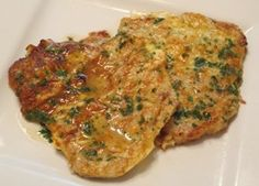 Veal cutlets, or scaloppine, are thinly sliced cuts of meat, and are usually the first thing that comes to mind when one thinks of Italian veal dishes. Veal Recipes, Cutlets Recipes, Vegetarian Recipes, Cooking Recipes, Healthy Recipes, Escalope Milanese, Veal Milanese, Veal Scallopini, Veal Cutlet