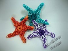 Rainbow Loom Tutorial : Starfish Charm - how to make using a single loom Loom Band Patterns, Rainbow Loom Patterns, Rainbow Loom Creations, Rainbow Loom Bands, Rainbow Loom Charms, Rainbow Loom Bracelets, Rubber Band Crafts, Rubber Bands, Rainbow Loom Animals