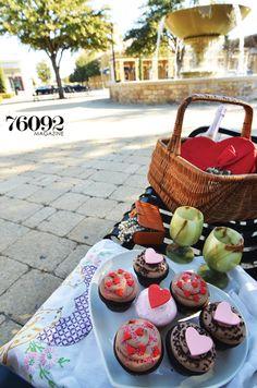 Gorgeous picnic with yummy cupcakes from Elegant Cakery, 76092 Magazine, Spring 2014 #cupcakes #elegantcakery #southlake #texassweets #romanticfood #picnic
