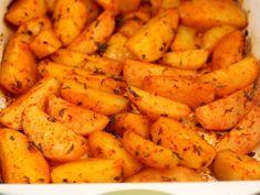 Картофель в духовке по-гречески: Так вкусно, что не нужны ни мясо, ни салат Diet Recipes, Cooking Recipes, Yummy Drinks, Bon Appetit, Sweet Potato, Carrots, Side Dishes, Good Food, Food And Drink