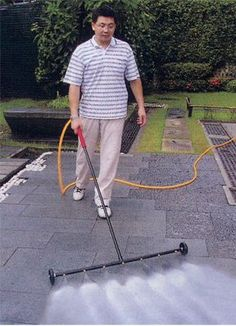 Jet Water Broom Turbo Jet Water Broom: An Easy-to-Use Pressure Washer and Water Broom.Turbo Jet Water Broom: An Easy-to-Use Pressure Washer and Water Broom. Pvc Pipe Projects, Outdoor Projects, Home Projects, Energy Projects, Garden Hose, Garden Tools, Garden Netting, Douche Camping, Water Broom