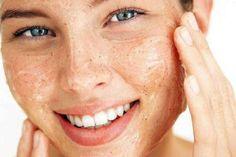 Die Haut ist das größte Organ, das wir haben und ist zudem ständig Faktoren ausgesetzt, die ihre Schönheit und Gesundheit gefährden können. Mit der Zeit zeigen sich Faktoren wie Wetterschäden, schlechte Ernährungsgewohnheiten, Laster und vieles mehr auf der Haut. Sie wird empfindlicher und muss mehr gepflegt werden.