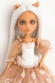 Monster hohe Repaint / Monster hohe Ooak / Custom Monster hohe | Etsy Custom Monster High Dolls, Monster High Repaint, Ooak Dolls, Art Dolls, New Hair, Handmade Art, Handmade Dolls, Handmade Clothes, Beautiful