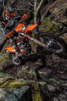 2019 KTM 250 EXC-F | Offroad | Slippery rocks | Road legal Enduro Motocross, Enduro Motorcycle, Motorcycle Art, Ktm 250 Exc, Ktm Exc, Ktm Dirt Bikes, Road Bikes, Dirt Biking, Dirtbikes