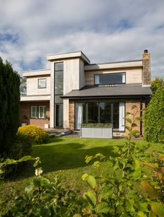 When choosing aluminium windows for your house consider why they are a good choice of material, compare costs and check quality of finish before you buy Timber Windows, Aluminium Windows, Home Renovation, Home Remodeling, Crittall, Interior Design Images, Window Replacement, Planning Permission, Old Houses