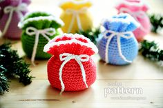 Hi friends! I am super happy today because I can present to you my newest pattern - the Mini Crochet Pouches. I designed this project with mostly Christmas on my mind. I just loved the idea of deco...