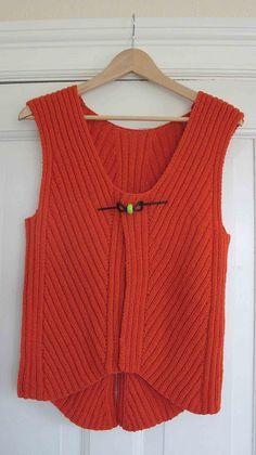 Ravelry: ByAnn's Pisa vest. Design Else Schjellerup
