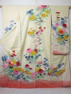 2206N02z1140 Japanese Kimono Silk FURISODE Light cream Chrysanthemum