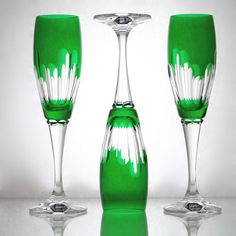Definitely the way to sip Champagne!  Crystal Emerald Champagne Flute – Gifts by Kasia Crystal Illustration, Classic Glasses, Relaxing Colors, Crystal Glassware, Wine Goblets, Crystal Meanings, Champagne Glasses, Bar Set, Wine Glass
