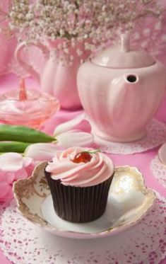 http://cf.ltkcdn.net/party/images/std/147500-250x396-Pink-setting.jpg