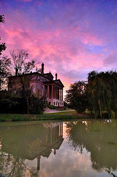 Villa Malcontenta. Realizzata su progetto del Palladio, è una delle ville più…