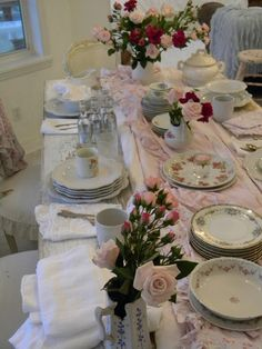 Simply me: A Table Setting