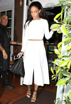 Rihanna!! In all white....