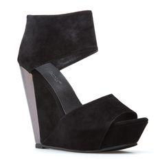 I NEEEEEEED These...Bachlorette party shoes? @Theresa Rasura