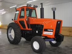 A beautiful example of an Allis-Chalmers 7010 tractor