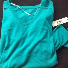 Calvin Klein Performance long sleeve top Great color and style. Long enough to cover your bum. 😃 Calvin Klein Tops