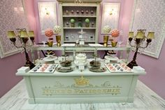 Dessert room. Would be awesome for my little girls bday party or for entertaining!