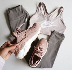 10 Fitness Looks That Are Major Gymspiration - Herren- und Damenmode - Kleidung Legging Outfits, Nike Outfits, Outfits For Teens, Sport Outfits, Pants Outfit, Nike Workout Outfits, Yoga Outfits, Casual Outfits, Athleisure Outfits