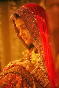 Aishwarya Rai Bachchan's Most Beautiful Pics from Jodha Akbar