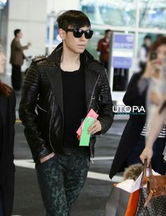 Find images and videos about kpop, bigbang and T. Cute Korean, Korean Men, Top Choi Seung Hyun, Vip Bigbang, Airport Style, Airport Fashion, Korean Celebrities, Top Of The World, Asian Actors