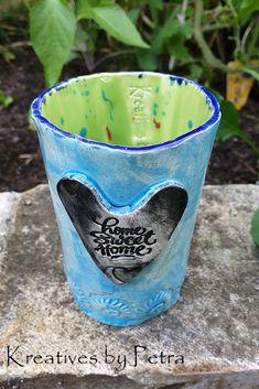 kleine Trinktasse aus Keramik...für Tee oder Kaffee...von kreativesbypetra   #Keramik #ceramik #ton #töpfern #töpferei #DIY #handmade #handgefertigt #Handwerk #kunstwerk #Unikat #geschenk #present #pottery #schale #räucherschale #räucherkegel #Glasur #glaze #glasurbrand #Esoterik #spirituell #Spiritualität #duft #düfte #botz #plattentechnik #tee #tea #kaffee #coffee #cup #trinkbecher #love #heart Petra, Shot Glass, Tableware, Spiritual, Mosaics, Clay, Artworks, Kaffee, Dinnerware