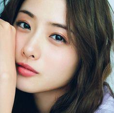 Pretty Asian Girl, Cute Asian Girls, Beautiful Asian Women, Cute Girls, Japanese Eyes, Japanese Girl, Korean Beauty, Asian Beauty, Satomi Ishihara