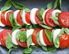<3 Insalata Caprese salad //molte bene! ... an essential Italian treat ... now where's the Balsamic drizzle
