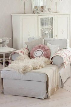 Oh, what a comfy reading chair! Minus the pink pillow and animal fuzz...