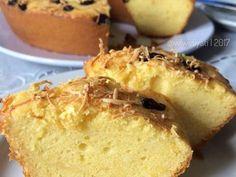 Resep Bolu Tape Lembut favorit. Source : Selene Cake Asli, ini enaaakkk banget, lembuuuttt. Pokoknya sesuai deh ama yang saya mau. Agak deg2an juga ama hasilnya, soalnya sotoy modifikasi resep (padahal sih karna kepepet menyesuaikan bahan yang ada, hehehe). Tapi Alhamdulillah banget yang ada malah sukses dapet pujian dari suami, senangnyaaa..... Cake Cookies, Cupcake Cakes, Bolu Cake, Resep Cake, Basic Cake, Brownie Cake, Brownies, Bread Cake, Asian Desserts