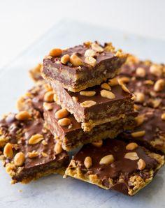 Havrerutor med choklad och jordnötter - ZEINAS KITCHEN Baking Recipes, Cookie Recipes, Dessert Recipes, Desserts, Grandma Cookies, Zeina, Bagan, Foods With Gluten, Gluten Free Baking