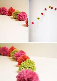DIY: floating pompom garland