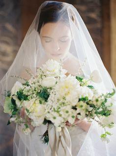 Greta: Sareh Nouri – New York Spring 2016 Bridal Collection. www.theweddingnotebook.com