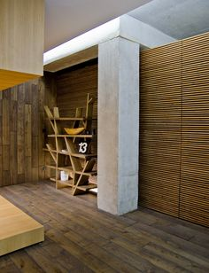 Architecture Design, Home Improvement Grants Display Showroom Wooden Partition Contemporary Wood Cladding: Appealing Mix of Home Improvement. Apartamento Loft Industrial, Industrial Loft, Industrial Design, Industrial Lighting, Kitchen Industrial, Industrial Apartment, Industrial Bedroom, Industrial Interiors, Wood Floor Design