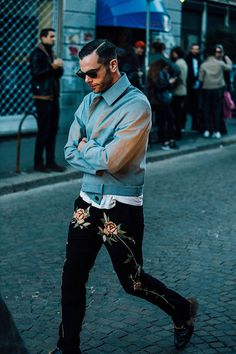 Street looks from Menswear Week Milan Fall/Winter 2016-2017 | Vogue Paris