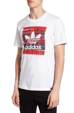 adidas Originals 'Geo Fade' Graphic Crewneck T-Shirt Puma Wallpaper, Camisa Gucci, T Shirt Storage, Adidas Shirt Mens, Camisa Adidas, Moda Casual, 3d T Shirts, Sporty Style, Shirt Shop