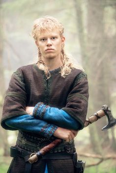David Lindström plays Sigurd, the second to the youngest son of Ragnar and Aslaug on Vikings Season 04 b