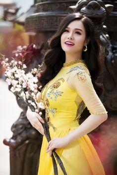 Ngắm người đẹp Việt xinh tươi với áo dài đón Xuân 2016