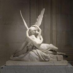 Antonio Canova (1757-1822), Psyché ranimée par le baiser de l'Amour / Psyche revived by Cupid's Kiss © RMN-Grand Palais - René-Gabriel Ojéda